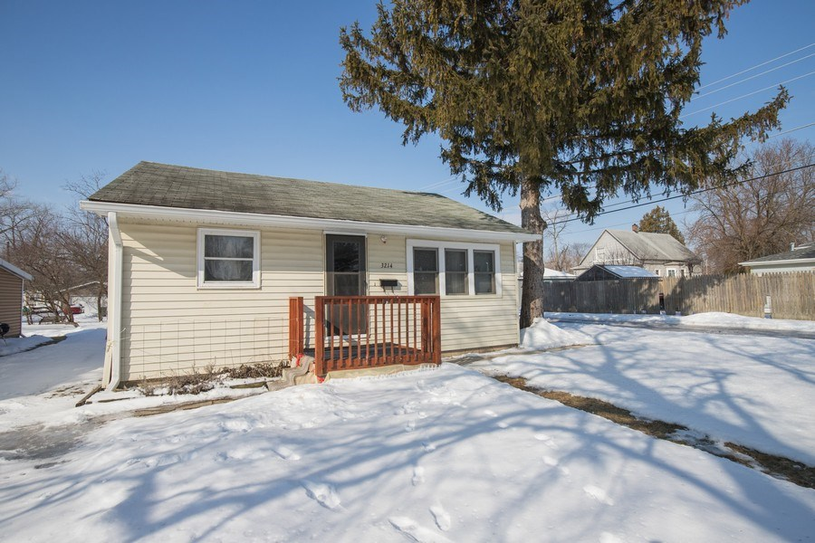 Real Estate Photography - 3214 Gabriel Ave., Zion, IL, 60048 - Front View