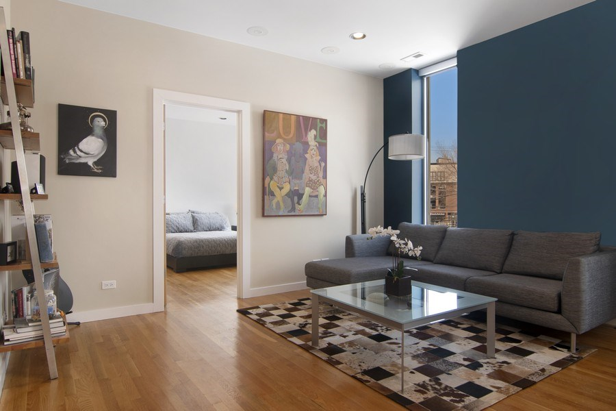 Real Estate Photography - 1721 N. SHEFFIELD Avenue, Unit 202, Chicago, IL, 60614 - Living Room