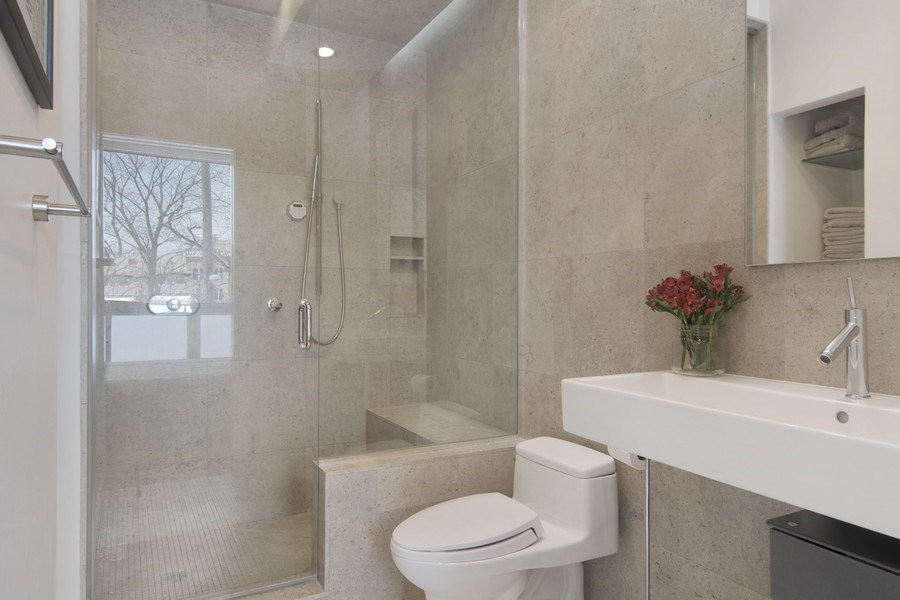 Real Estate Photography - 1721 N. SHEFFIELD Avenue, Unit 202, Chicago, IL, 60614 - Master Bathroom