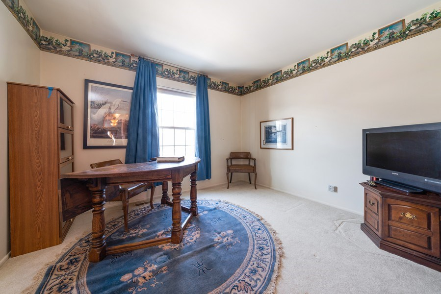 Real Estate Photography - 1052 Southbury Ln, B1, Wheeling, IL, 60090 - 2nd Bedroom