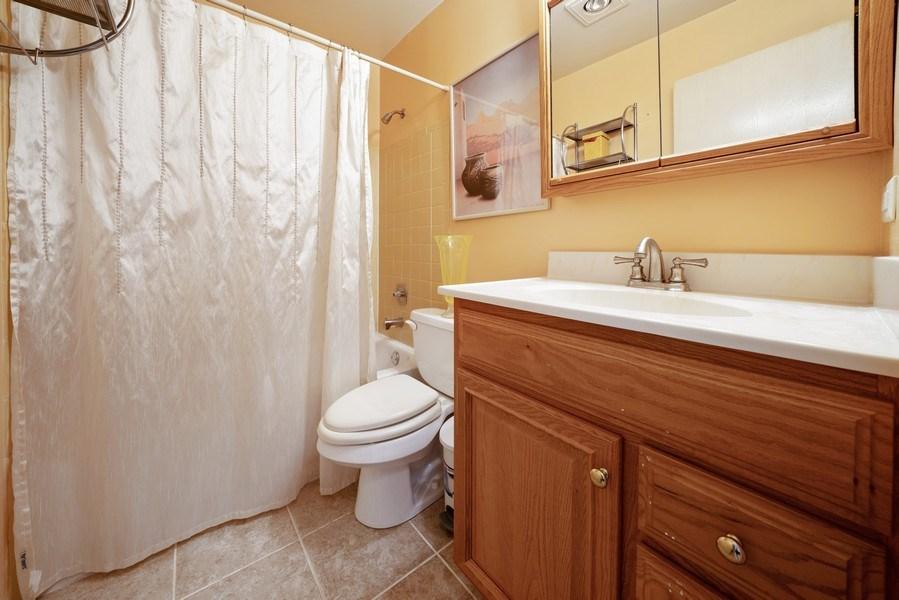 Real Estate Photography - 1052 Southbury Ln, B1, Wheeling, IL, 60090 - 2nd Bathroom