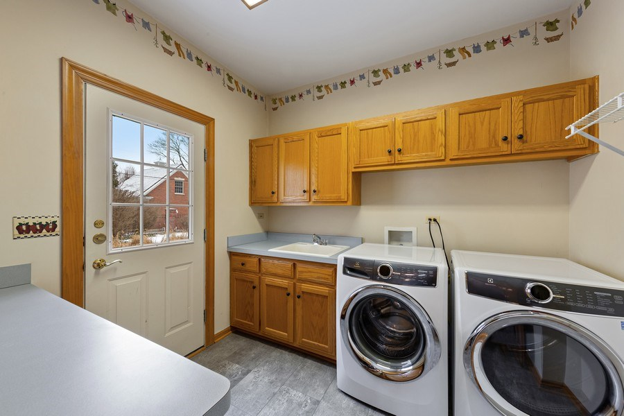 Real Estate Photography - 425 E. Oak Avenue, Wheaton, IL, 60187 - Laundry Room