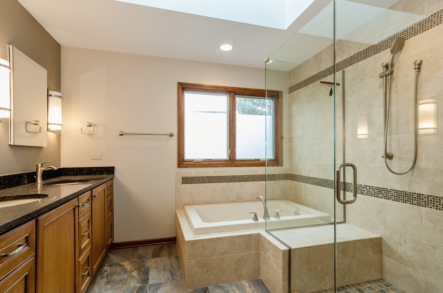 Real Estate Photography - 936 Pember Circle, West Dundee, IL, 60118 - Master Bathroom