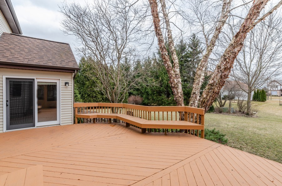 Real Estate Photography - 936 Pember Circle, West Dundee, IL, 60118 - Deck