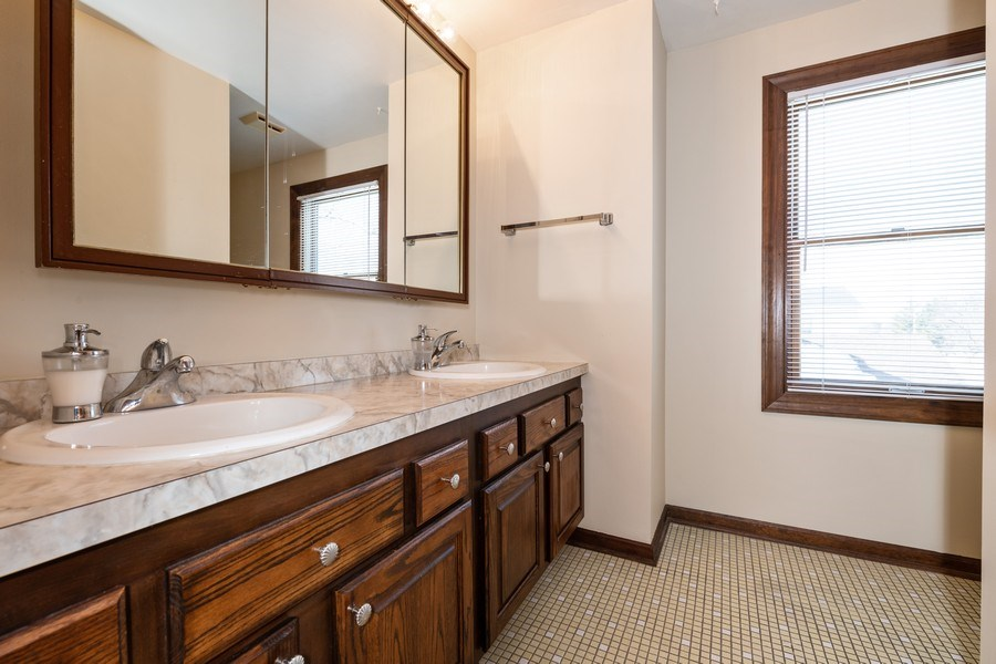 Real Estate Photography - 924 IROQUOIS Avenue, Naperville, IL, 60563 - 2nd Bathroom