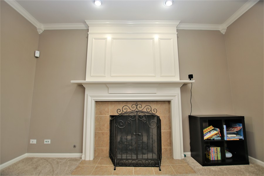 Real Estate Photography - 4700 WHITEHALL Court, Algonquin, IL, 60102 - Fireplace