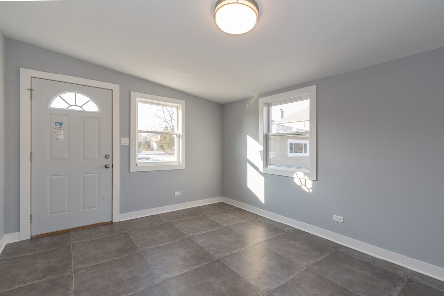 Real Estate Photography - 8208 Rutherford Avenue, Burbank, IL, 60459 - Mudroom