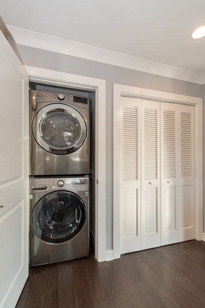 Real Estate Photography - 8208 Rutherford Avenue, Burbank, IL, 60459 - Laundry Room