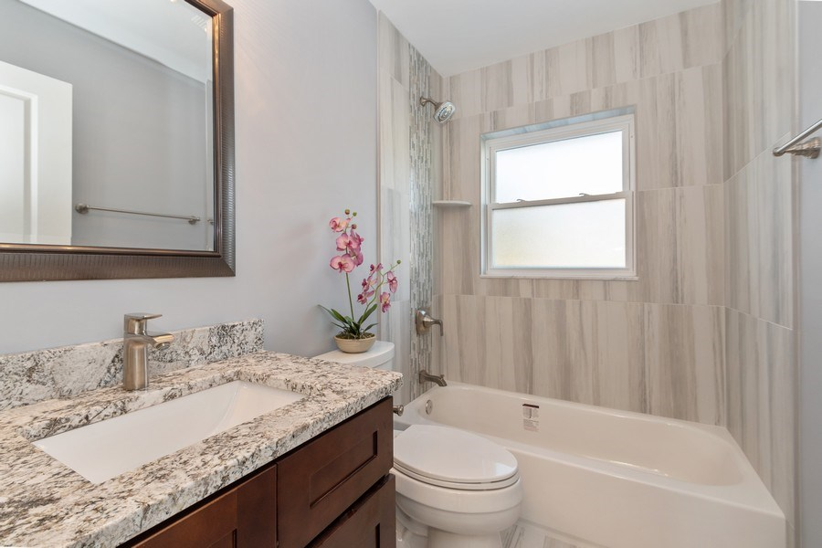 Real Estate Photography - 8208 Rutherford Avenue, Burbank, IL, 60459 - 2nd Bathroom