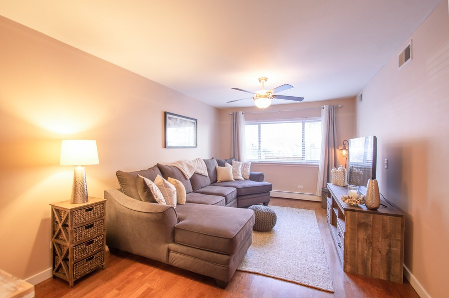 Real Estate Photography - 515 W. Wrightwood Avenue, Unit 105, Chicago, IL, 60614 - Living Room