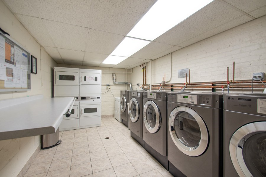 Real Estate Photography - 515 W. Wrightwood Avenue, Unit 105, Chicago, IL, 60614 - Laundry Room