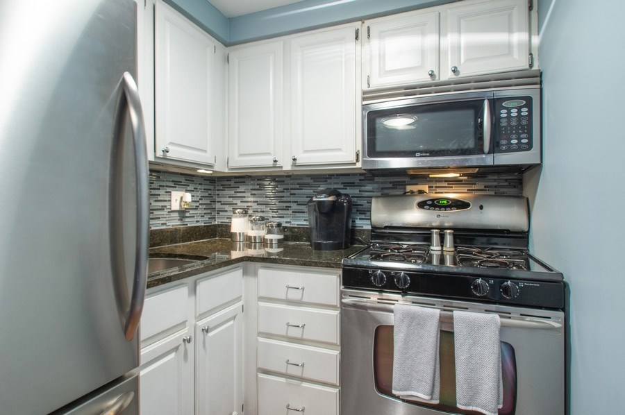 Real Estate Photography - 515 W. Wrightwood Avenue, Unit 105, Chicago, IL, 60614 - Kitchen