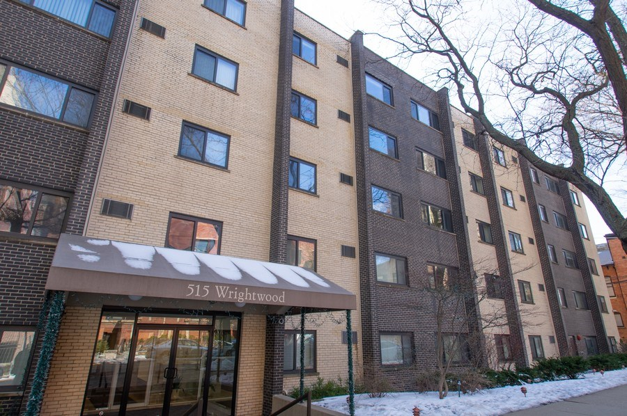 Real Estate Photography - 515 W. Wrightwood Avenue, Unit 105, Chicago, IL, 60614 - Front View