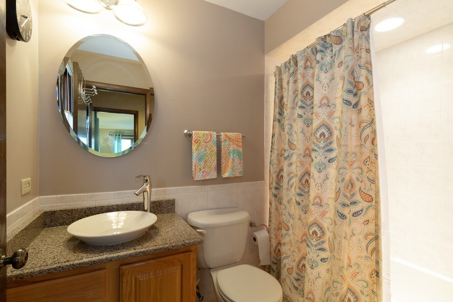Real Estate Photography - 3108 Bonnie Brae, Flossmoor, IL, 60422 - Master Bathroom