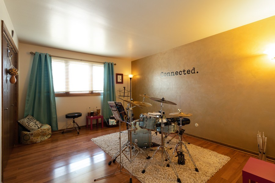 Real Estate Photography - 3108 Bonnie Brae, Flossmoor, IL, 60422 - Bedroom