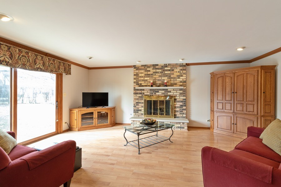Real Estate Photography - 3108 Bonnie Brae, Flossmoor, IL, 60422 - Family Room