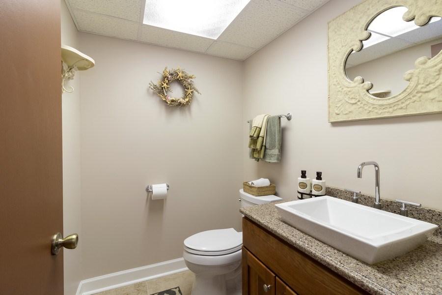 Real Estate Photography - 3108 Bonnie Brae, Flossmoor, IL, 60422 - Basement Bathroom