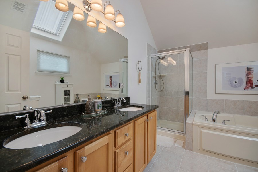Real Estate Photography - 2152 COUNTRY LAKES Drive, Naperville, IL, 60563 - Master Bathroom