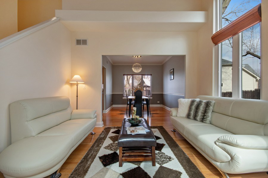 Real Estate Photography - 2152 COUNTRY LAKES Drive, Naperville, IL, 60563 - Living Room