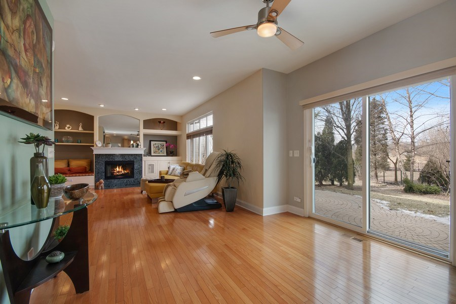 Real Estate Photography - 2152 COUNTRY LAKES Drive, Naperville, IL, 60563 - Breakfast Nook