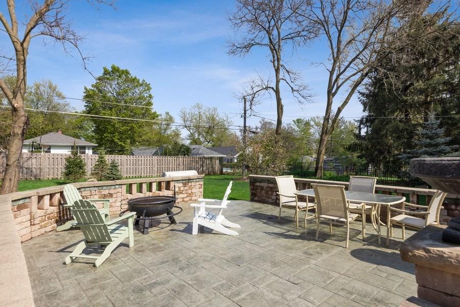 Real Estate Photography - 735 S. Grove Avenue, Barrington, IL, 60010 - Patio