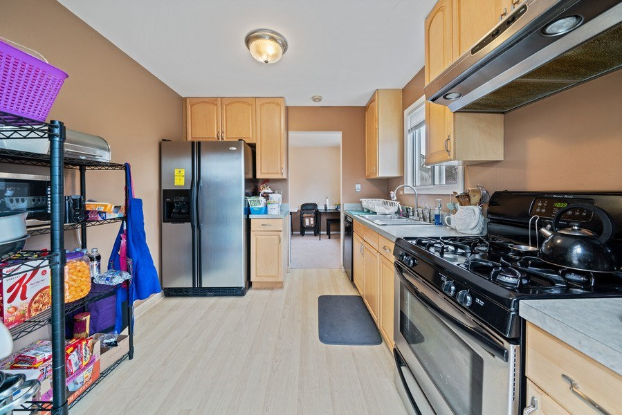 Real Estate Photography - 1115 Long Grove Drive, Aurora, IL, 60504 - Kitchen