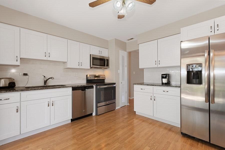 Real Estate Photography - 1178 Windsor Drive, Wheaton, IL, 60189 - Kitchen