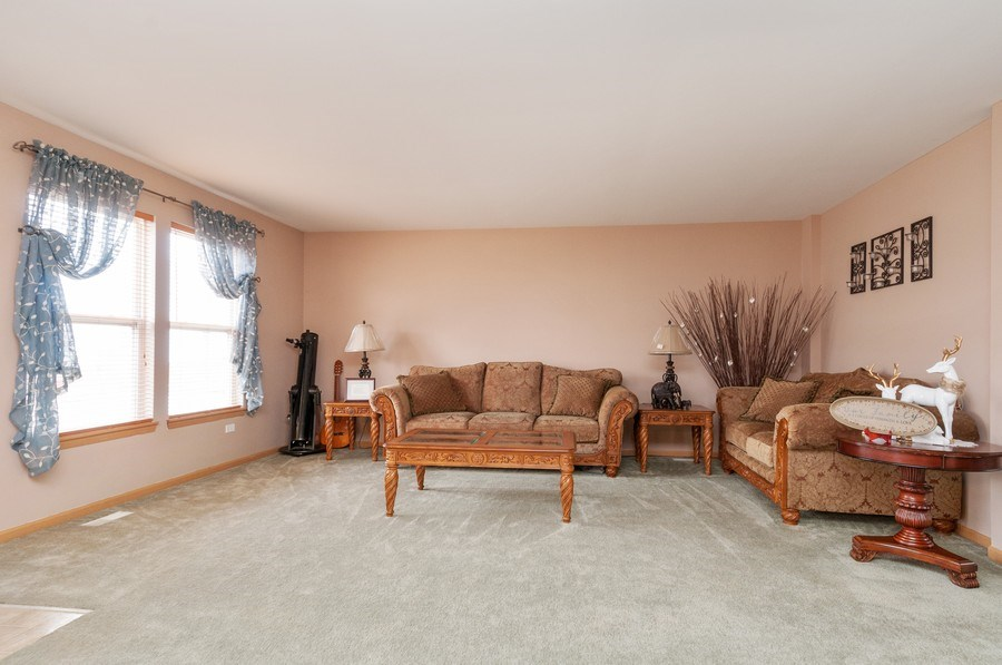 Real Estate Photography - 3205 Kenilworth Lane, Montgomery, IL, 60538 - Living Room