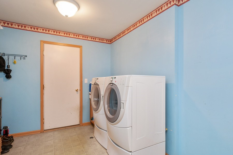 Real Estate Photography - 3205 Kenilworth Lane, Montgomery, IL, 60538 - Laundry Room