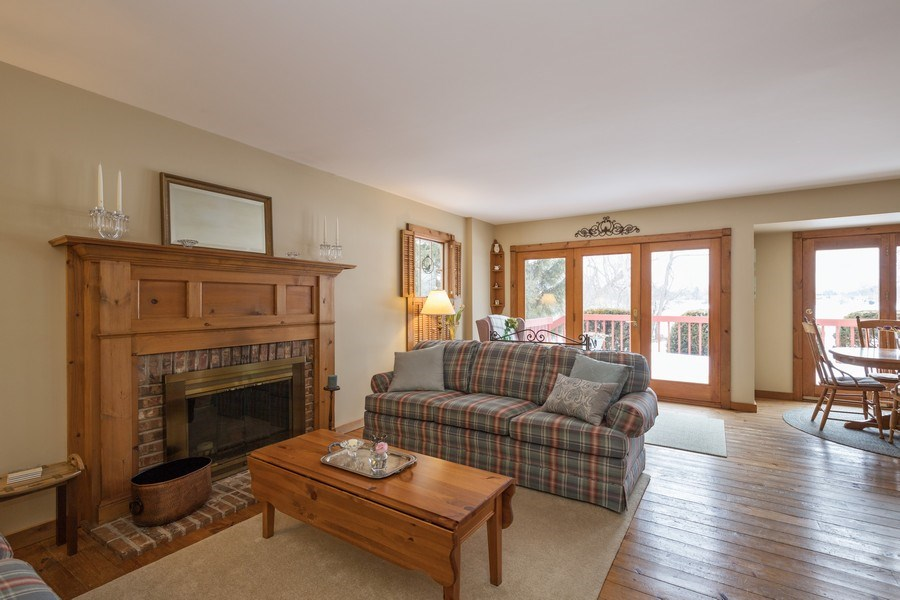 Real Estate Photography - 313 MAINSAIL Drive, Third Lake, IL, 60030 - Family Room