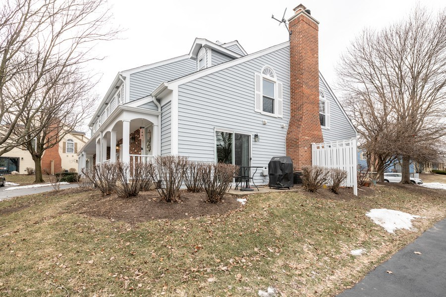 Real Estate Photography - 1424 Queensgreen Circle, Naperville, IL, 60563 - Side View