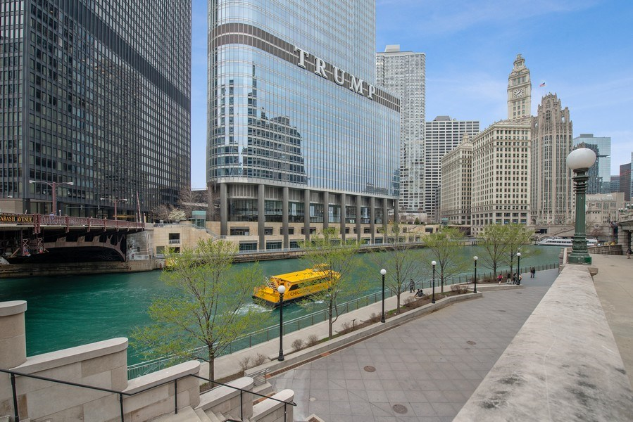 Real Estate Photography - 401 N. Wabash Avenue, Unit 2102, Chicago, IL, 60611 - Front View