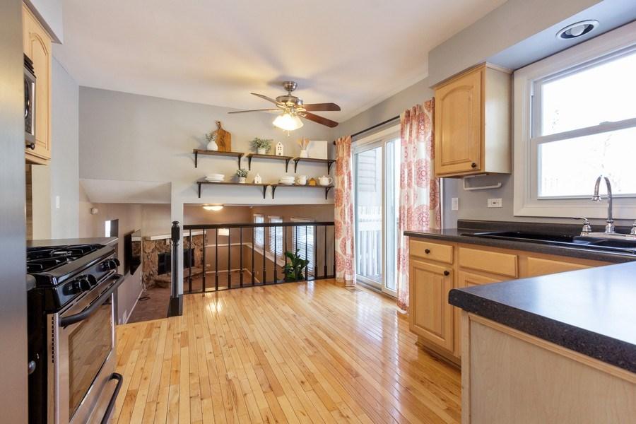 Real Estate Photography - 4 MONTEREY Drive, Vernon Hills, IL, 60061 - Kitchen
