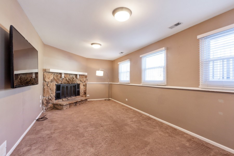 Real Estate Photography - 4 MONTEREY Drive, Vernon Hills, IL, 60061 - Family Room