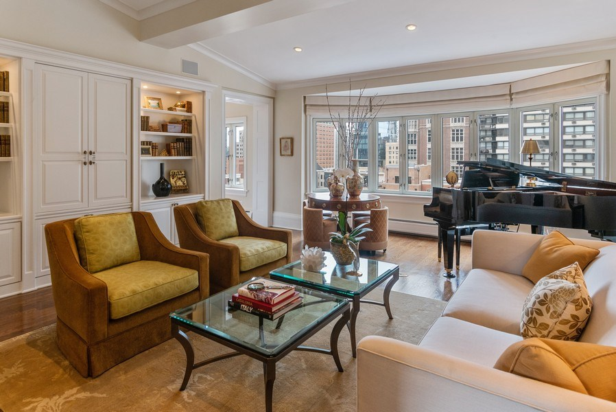 Real Estate Photography - 33 E. BELLEVUE Place, Unit PH-W7, Chicago, IL, 60611 - Living Room