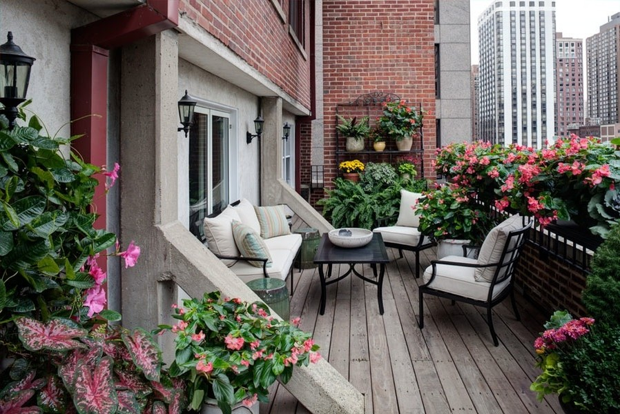 Real Estate Photography - 33 E. BELLEVUE Place, Unit PH-W7, Chicago, IL, 60611 - Front Terrace