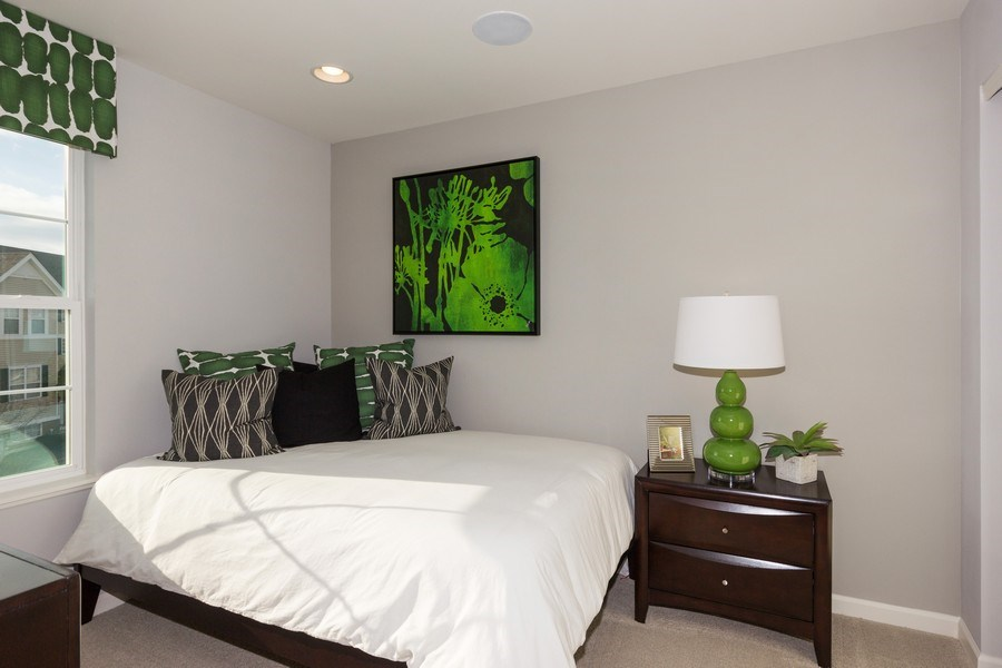 Real Estate Photography - 802 Shadowbrook Ct, Oswego, IL, 60543 - 2nd Bedroom