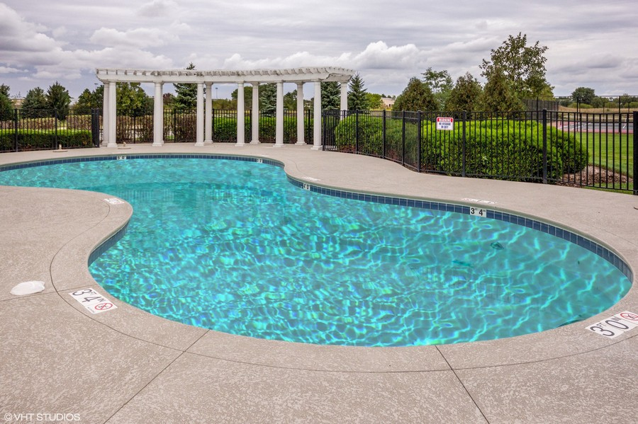 Real Estate Photography - 802 Shadowbrook Ct, Oswego, IL, 60543 -