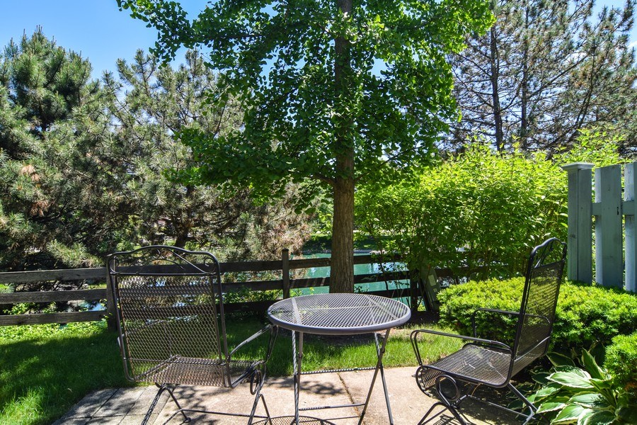 Real Estate Photography - 2007 N. Silver Lake Road, Arlington Heights, IL, 60004 - Patio