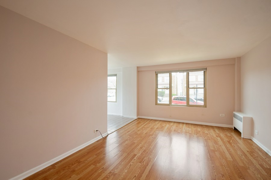 Real Estate Photography - 2606 W. BALMORAL Avenue, Unit 108, Chicago, IL, 60625 - Living Room