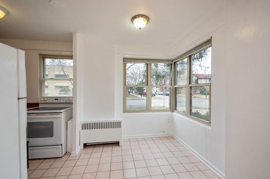 Real Estate Photography - 2606 W. BALMORAL Avenue, Unit 108, Chicago, IL, 60625 - Dining Area