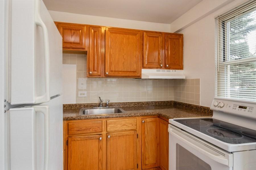 Real Estate Photography - 2606 W. BALMORAL Avenue, Unit 108, Chicago, IL, 60625 - Kitchen