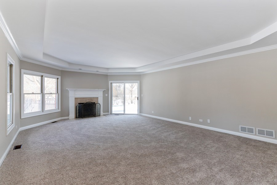 Real Estate Photography - 2091 Trenton Road, Libertyville, IL, 60048 - Master Bedroom