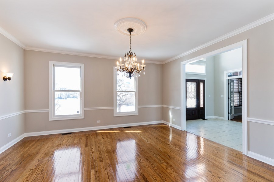 Real Estate Photography - 2091 Trenton Road, Libertyville, IL, 60048 - Dining Room