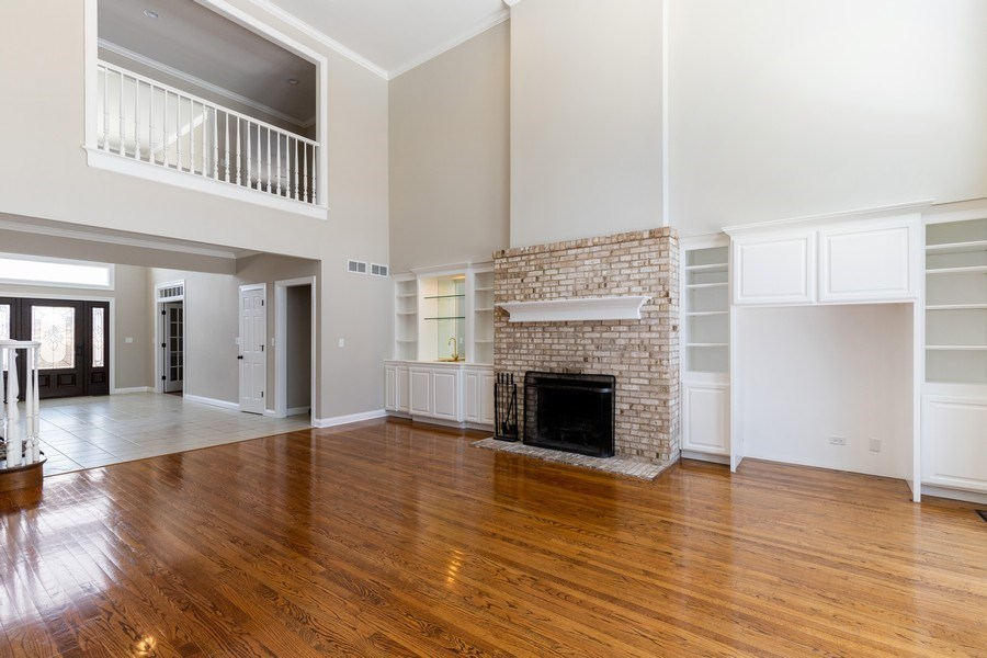 Real Estate Photography - 2091 Trenton Road, Libertyville, IL, 60048 - Family Room