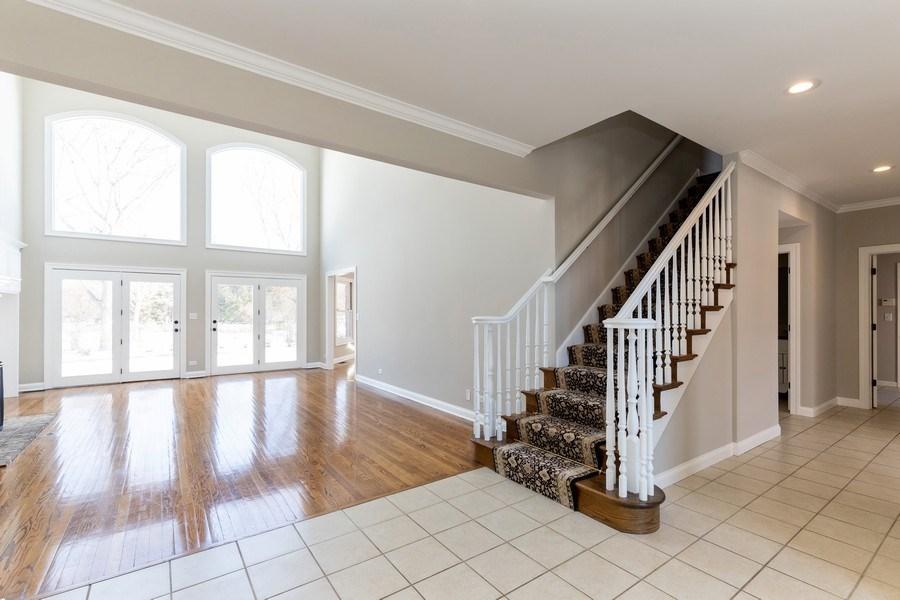 Real Estate Photography - 2091 Trenton Road, Libertyville, IL, 60048 - Foyer