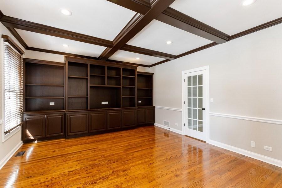 Real Estate Photography - 2091 Trenton Road, Libertyville, IL, 60048 - Office