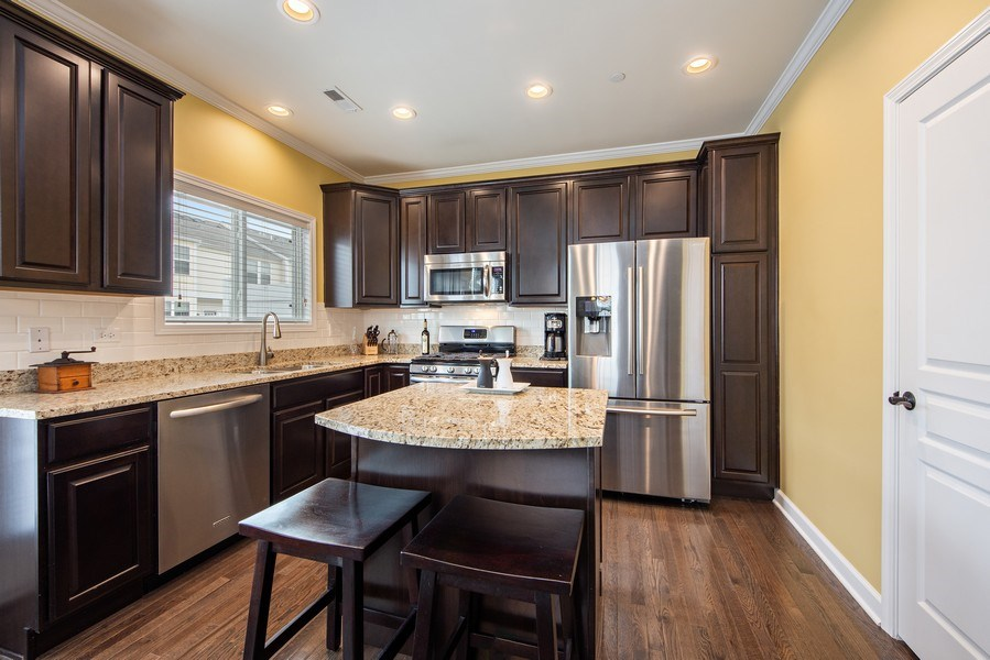 Real Estate Photography - 906 E. Wing Street, Arlington Heights, IL, 60004 - Kitchen
