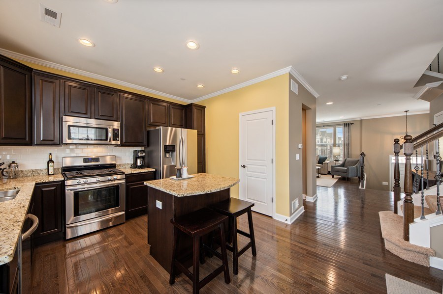 Real Estate Photography - 906 E. Wing Street, Arlington Heights, IL, 60004 - Kitchen / Living Room