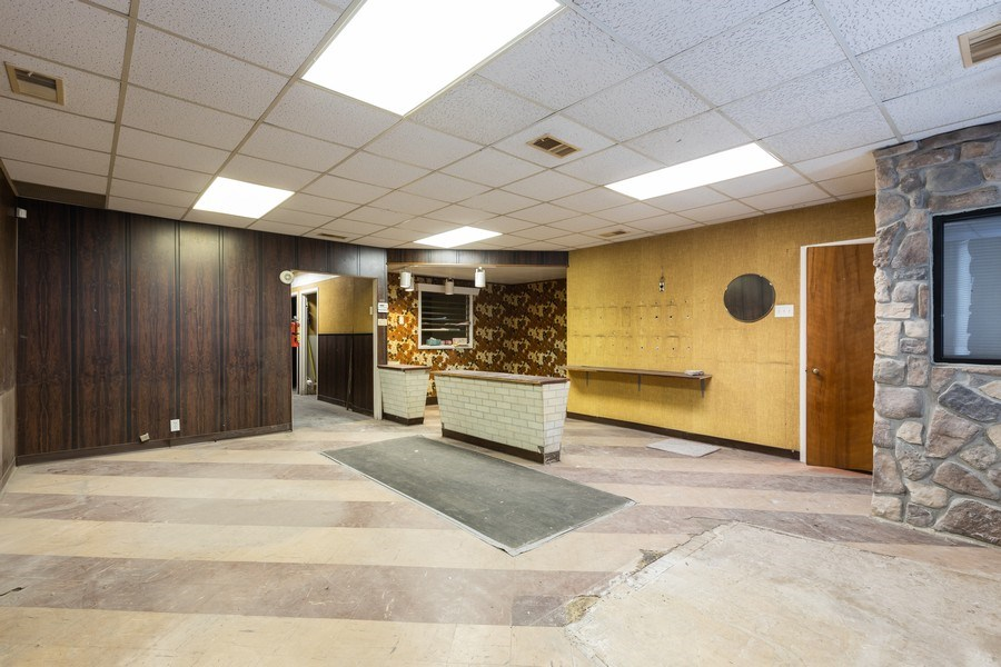 Real Estate Photography - 5143 North West Diversey Ave, Chicago, IL, 60639 - Office